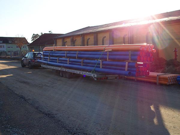 Gas- und Wasser-Rohrtransporte PE -2,7T bei 12m Länge